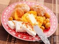 Рецепта Лесна вечеря с картофи, сирене и маслини